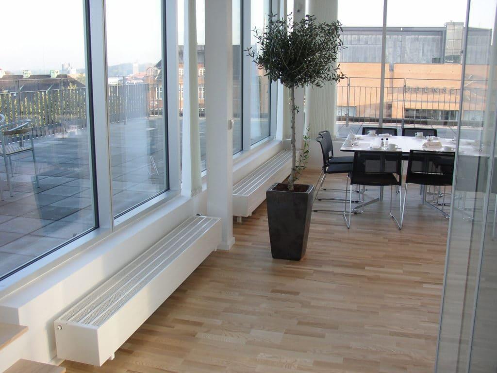 Использование конвекторов в больших помещениях