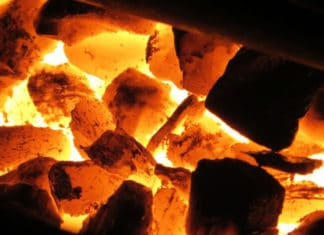 Как топить печь углем