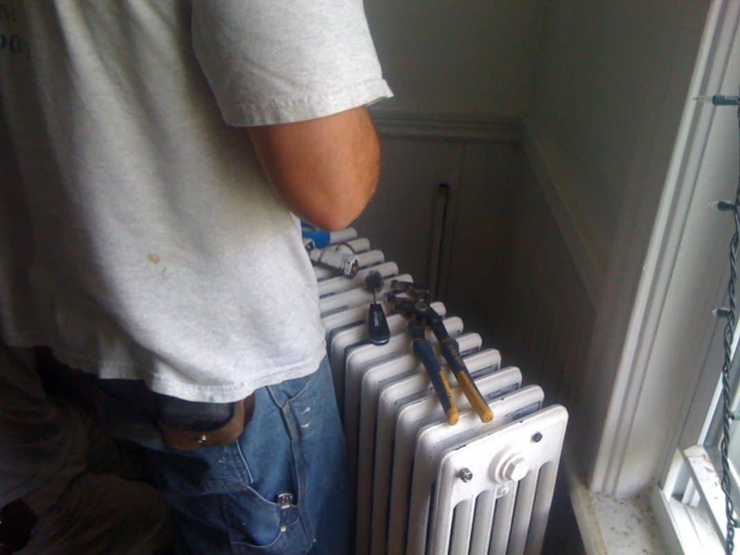 Сборка радиатора отопления