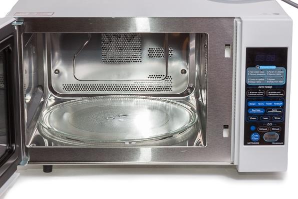 Включать пустую микроволновую печь