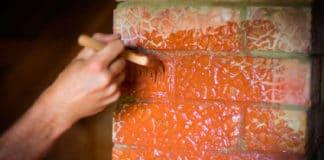 Обработка печей и каминов термостойким лаком