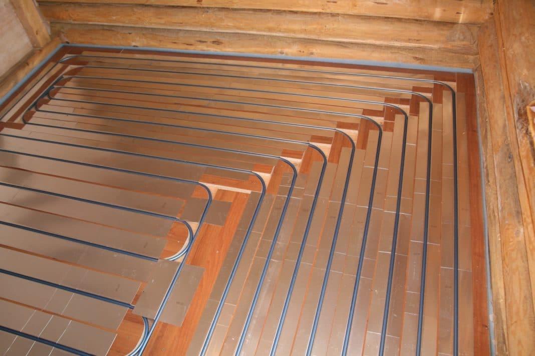 Монтаж водяного теплого пола в деревянном доме