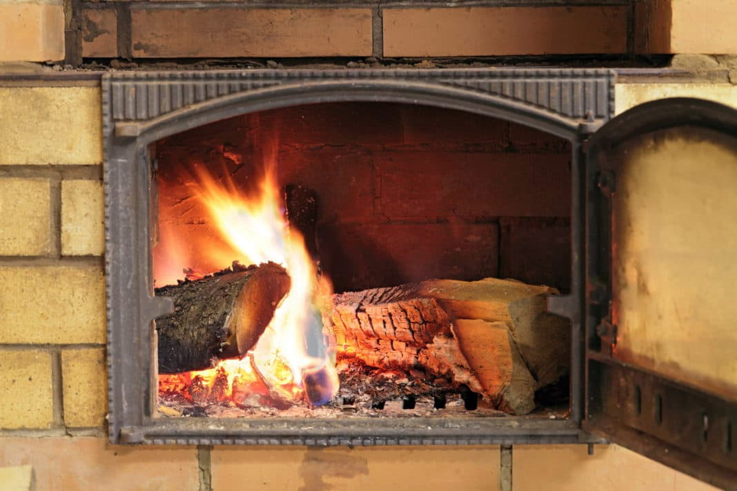 Как правильно топить металлическую банную печь
