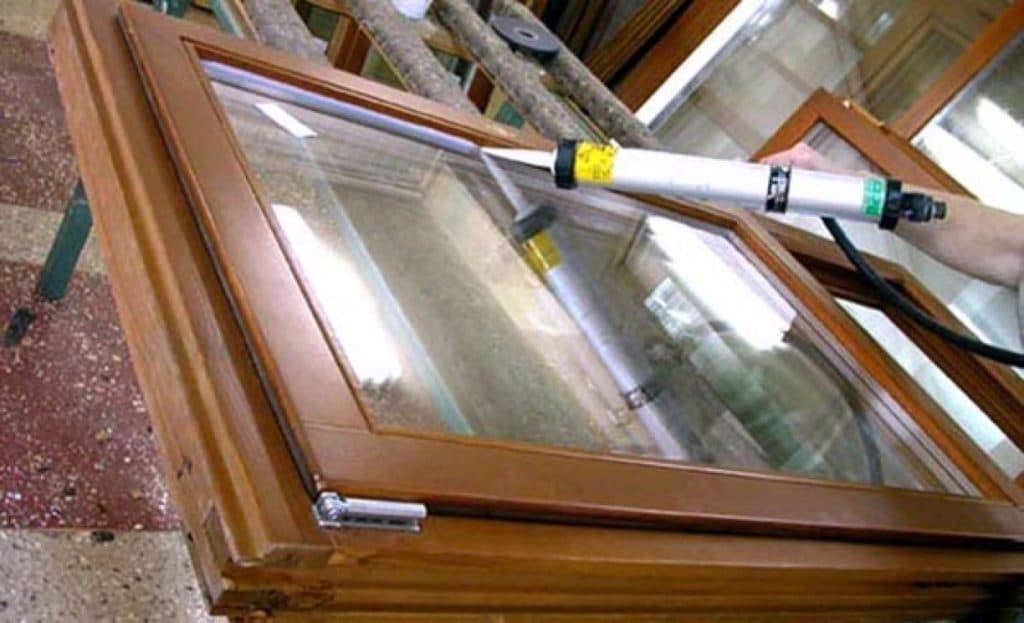 Герметик - способ утепления деревянных окон