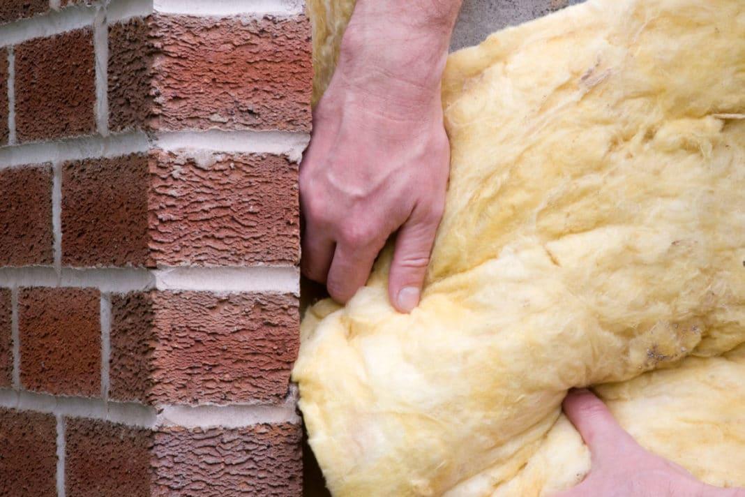 Утепление кирпичной стены: как и чем лучше теплоизолировать изнутри и снаружи
