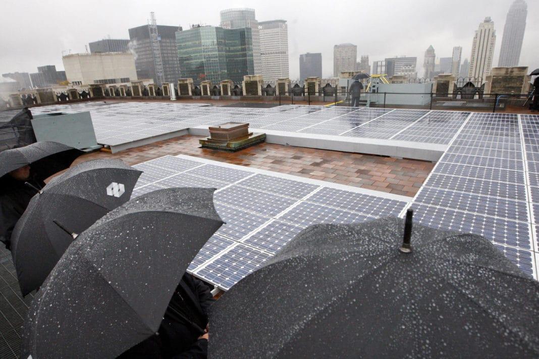 Как работают солнечные батареи в пасмурную погоду и зимой?