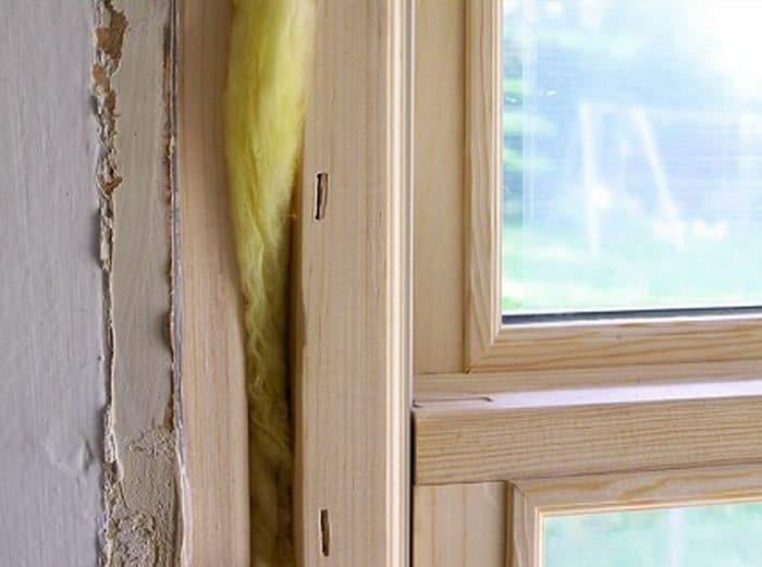 Вата - один из утеплителей для деревянных окон
