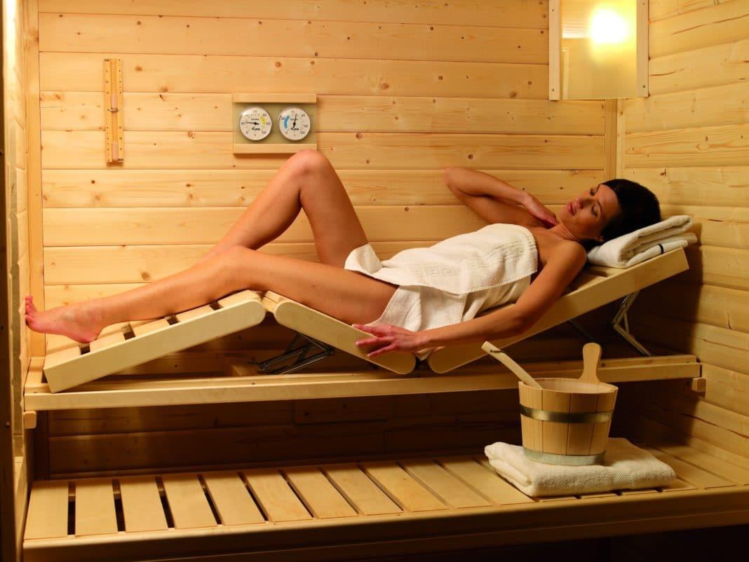 Как сделать «качели» для ног в баню
