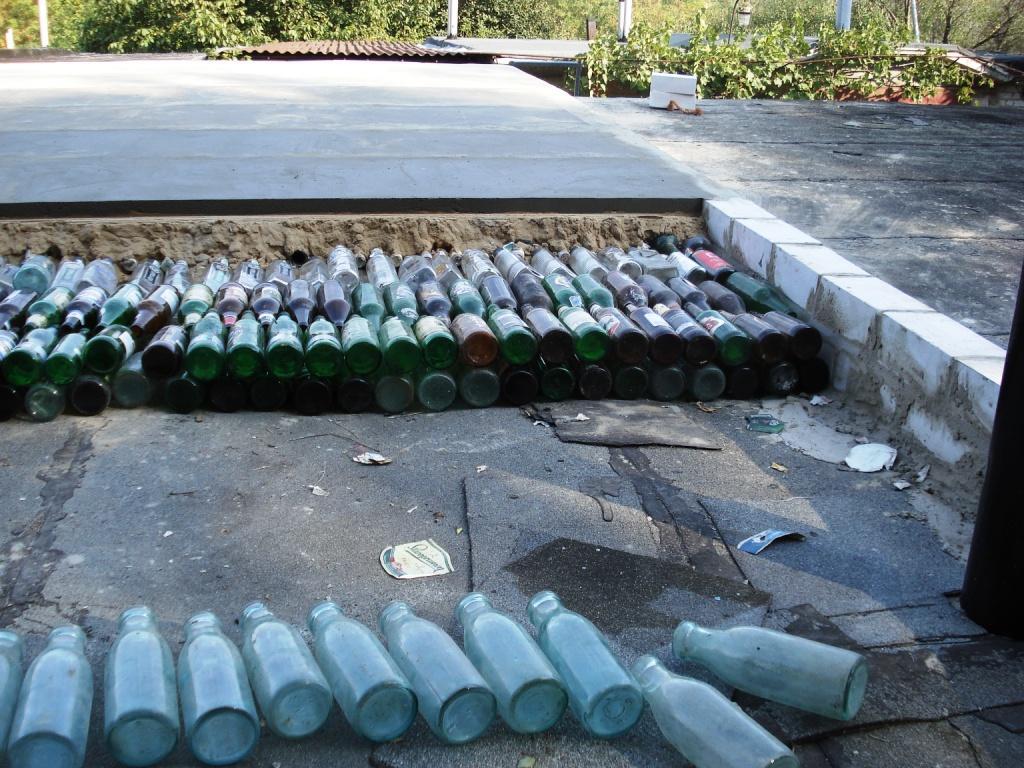 Как старые бутылки помогут в утеплении бани ?
