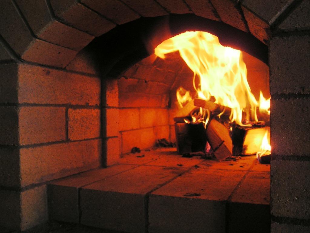 Как топить печь правильно расскажем и покажем как правильно растопить дровяную печь в Вашем доме или даче.