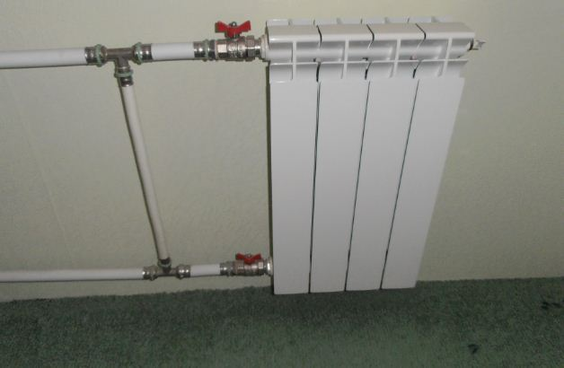 Как правильно установить американку на радиатор отопления