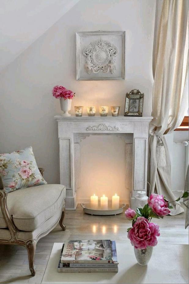 Камин со свечами вариант 9