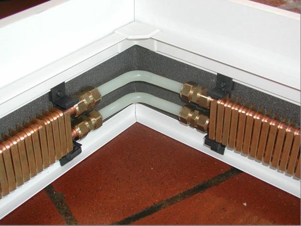 Плинтусное отопление – залог комфортной температуры в помещении в любое время года.
