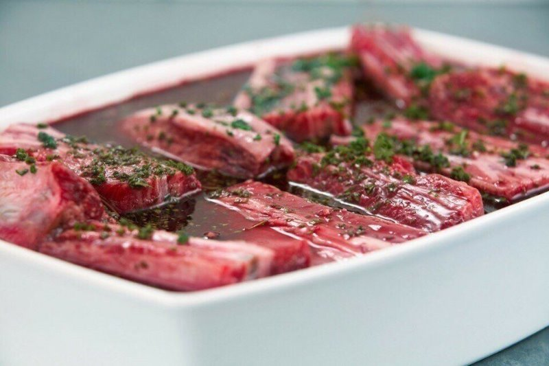 5 быстрых маринадов, в которых мясо будет готово уже через час