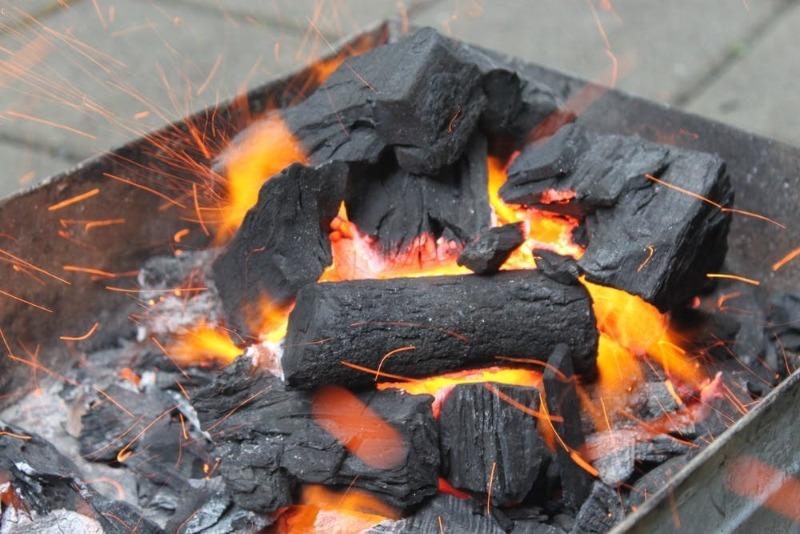 7 видов угля, на котором получается особенно вкусное мясо