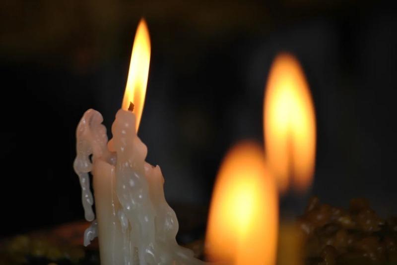 Как обычная свеча поможет узнать о мыслях человека, пришедшего в гости