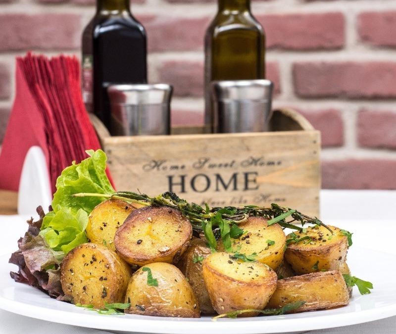 4 ошибки, которые многие совершают при запекании картофеля