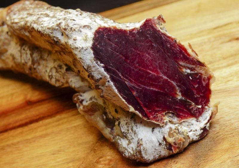 Как наши предки хранили мясо, когда еще не было холодильников