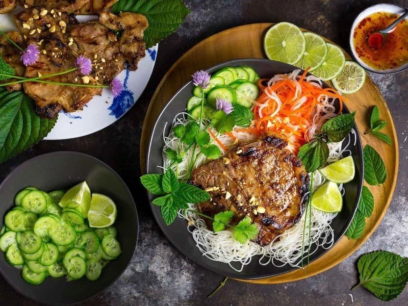 5 новых рецептов мяса на огне, которые непременно надо попробовать на вкус