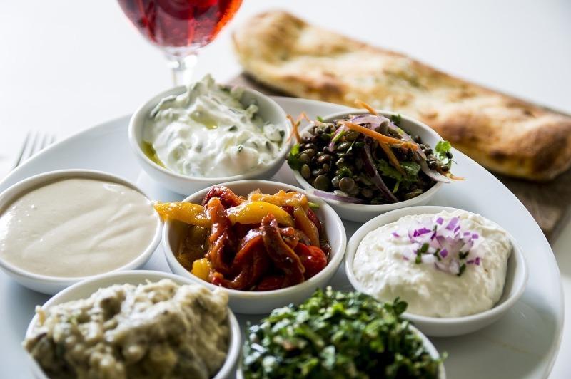 Кухня мира: 5 блюд, которые готовят в разных странах вместо шашлыка
