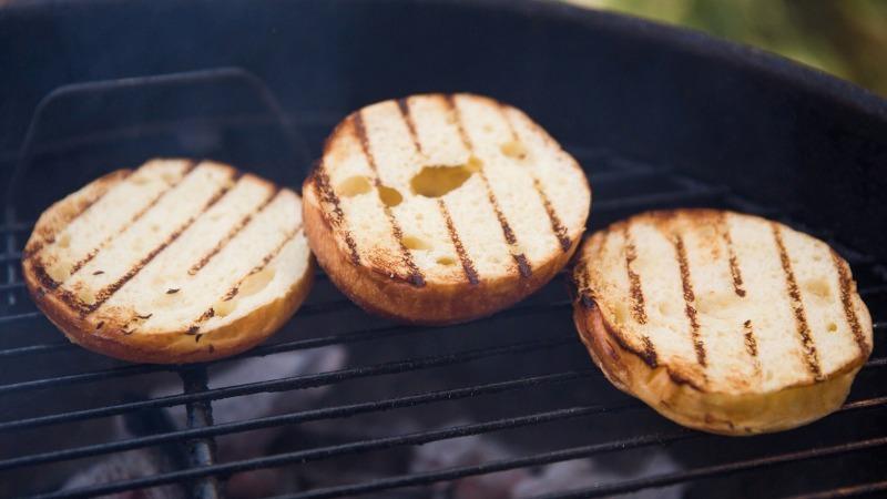 9 уловок поваров, которые стоит проверить на ближайших шашлыках
