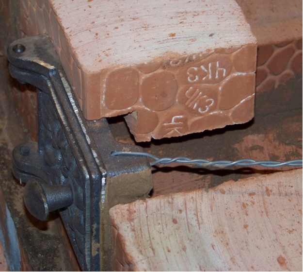 Установка топочной дверцы кирпичной печи
