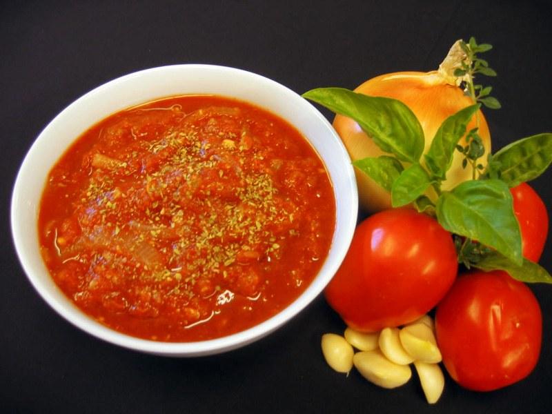 «Хреновина»: 5 шикарных соусов из хрена и чеснока для любителей острого