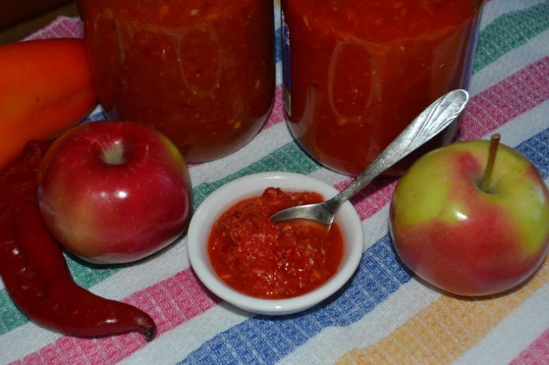 Бессовестно вкусно: 5 рецептов аджики на зиму вприкуску к мясу или борщу