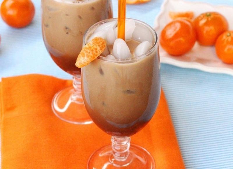 Когда не хочется горячего, но без кофе не обойтись: 5 рецептов вкусного холодного напитка