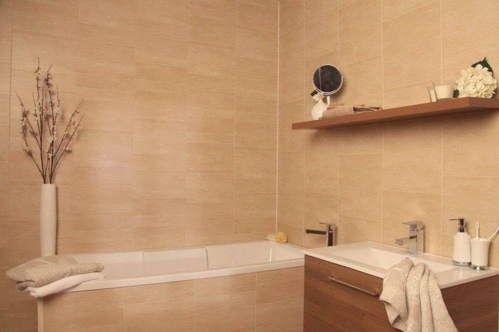 Можно ли устанавливать плитку ПВХ в ванной комнате