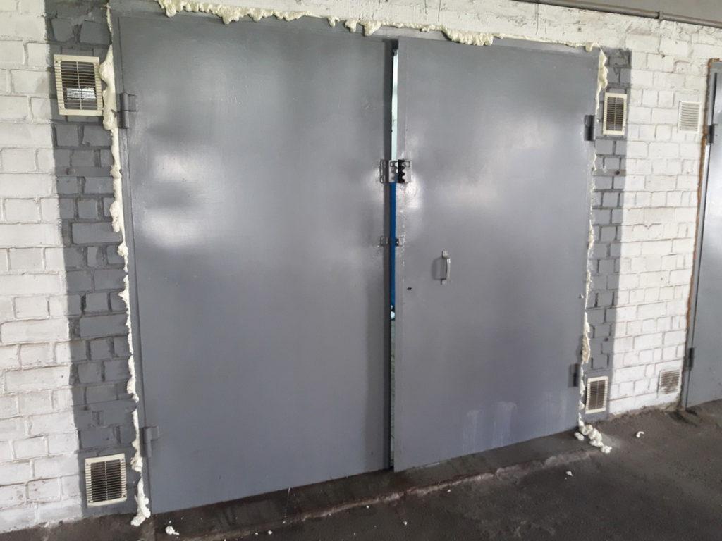 Как правильно утеплить гаражные ворота изнутри своими руками