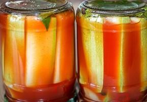 кабачки в банке с томатной пастой